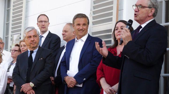 Cérémonie d'inauguration , Dupont-Aignan maire de Yerres