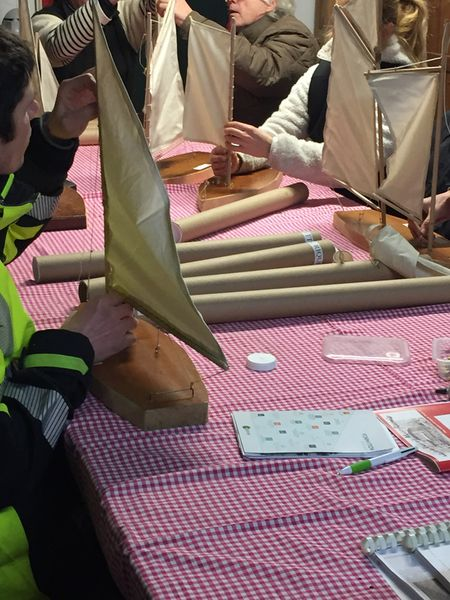 Entrainement au gréage de différents types de voiliers sur maquette